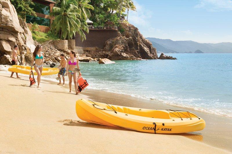 Hyatt Ziva Puerto Vallarta - Kayaks on the Beach <br/>Image from Leonardo