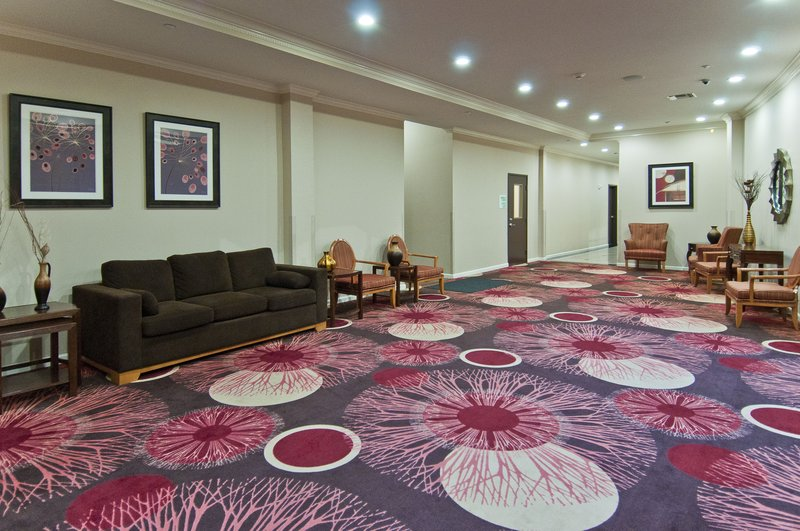 Holiday Inn Hotel & Suites Lake Charles South-Pre-function Area leading to Meeting Space<br/>Image from Leonardo