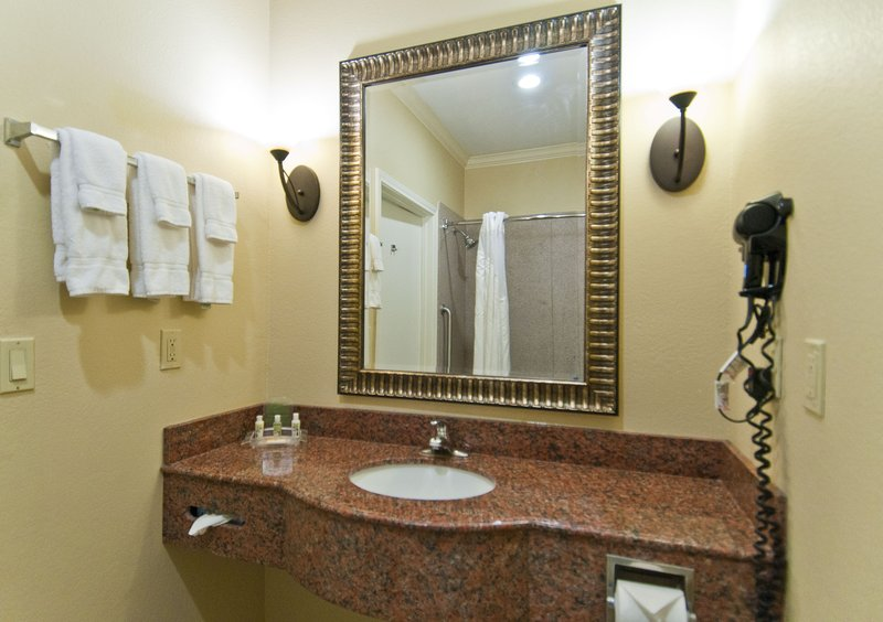 Holiday Inn Hotel & Suites Lake Charles South-Guest Room Bathroom<br/>Image from Leonardo