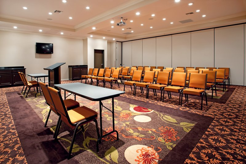Holiday Inn Hotel & Suites Lake Charles South-Meeting Room<br/>Image from Leonardo