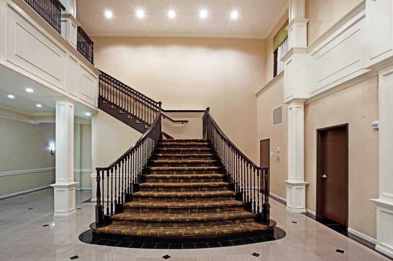 Holiday Inn Hotel & Suites Lake Charles South-Atrium<br/>Image from Leonardo