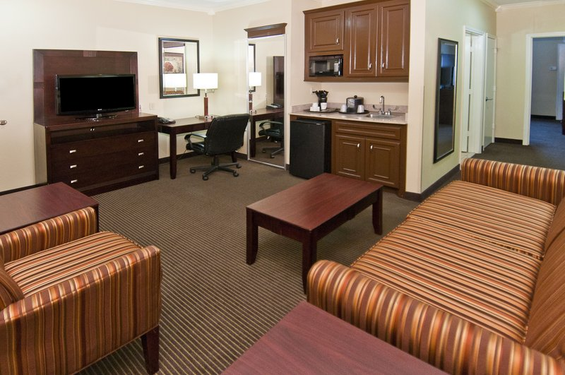 Holiday Inn Hotel & Suites Lake Charles South-King Suite-Living Room<br/>Image from Leonardo