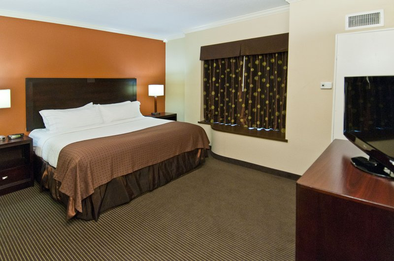 Holiday Inn Hotel & Suites Lake Charles South-King Suite Bedroom<br/>Image from Leonardo