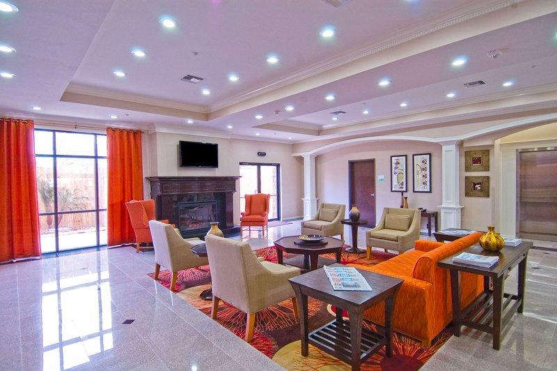 Holiday Inn Hotel & Suites Lake Charles South-Hotel Lobby<br/>Image from Leonardo