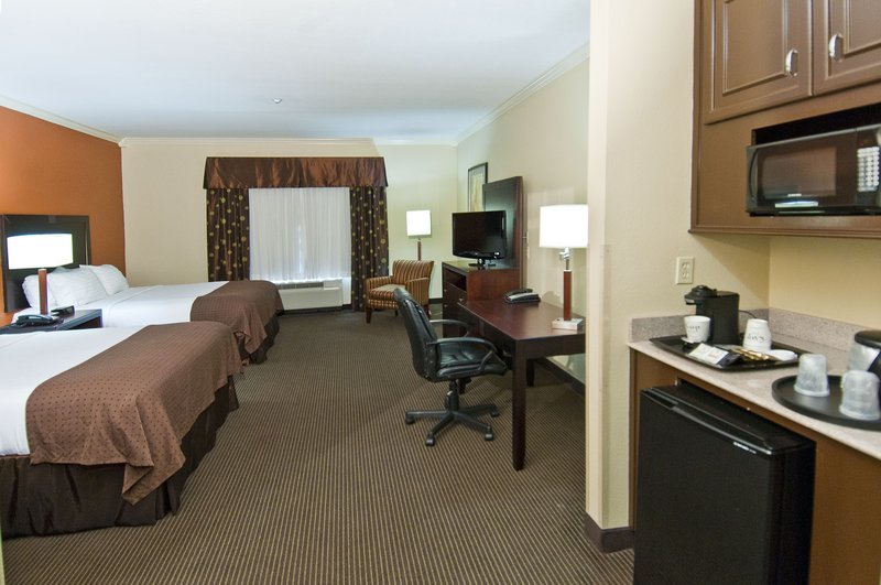 Holiday Inn Hotel & Suites Lake Charles South-Two Queen Executive Room<br/>Image from Leonardo
