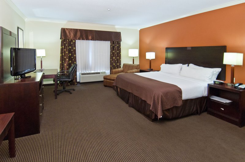 Holiday Inn Hotel & Suites Lake Charles South-King Executive Guest Room<br/>Image from Leonardo