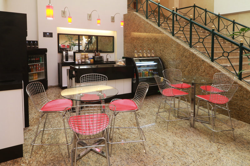 Holiday Inn Ciudad de Mexico-Trade Center-Café<br/>Image from Leonardo