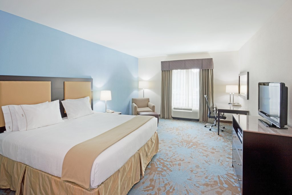 Holiday Inn Express Plainville - Foxboro Area-King Bed Guest Room<br/>Image from Leonardo
