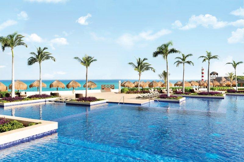 Hyatt Ziva Cancun  - Hyatt Ziva Cancun Main Pool <br/>Image from Leonardo
