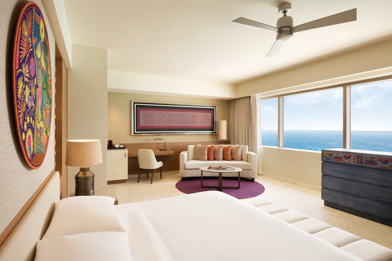 Hyatt Ziva Cancun  - Hyatt Ziva Cancun Presidential Suite Master Bedroom <br/>Image from Leonardo