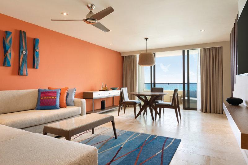 Hyatt Ziva Cancun  - Hyatt Ziva Cancun Ocean Front Pyramid Suite Living <br/>Image from Leonardo