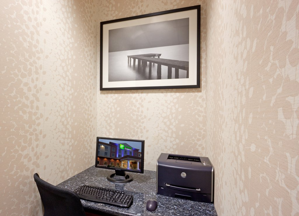Holiday Inn Express Plainville - Foxboro Area-24hr business center with printer<br/>Image from Leonardo