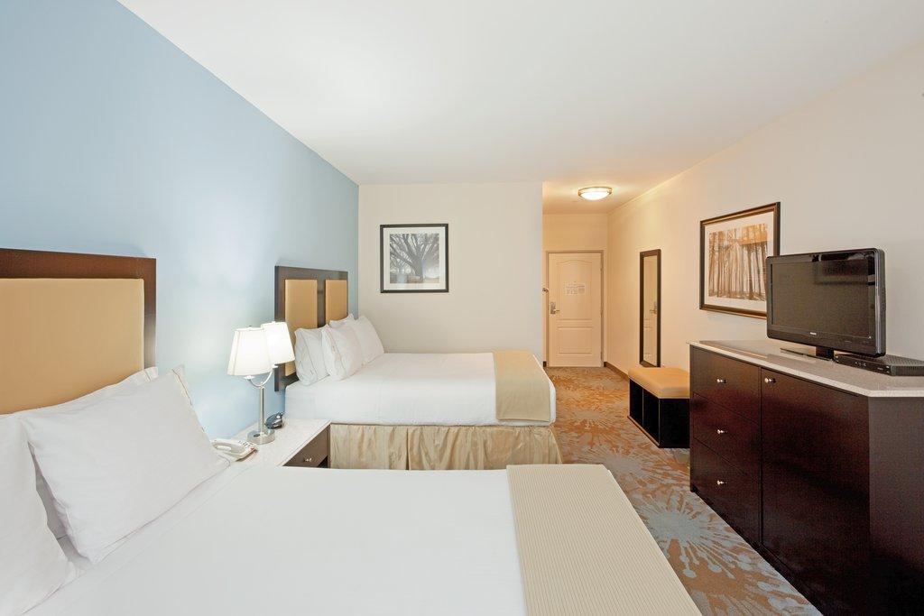 Holiday Inn Express Plainville - Foxboro Area-Deluxe Room<br/>Image from Leonardo
