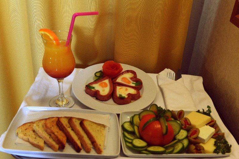 Holiday Inn Skopje-Room Service<br/>Image from Leonardo