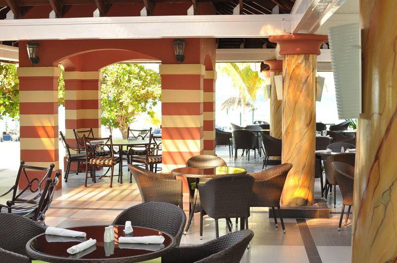 Jewel Runaway Bay Beach And Golf Resort  - Jewel Runaway Bay Beach Golf Resort Coral Cafe <br/>Image from Leonardo