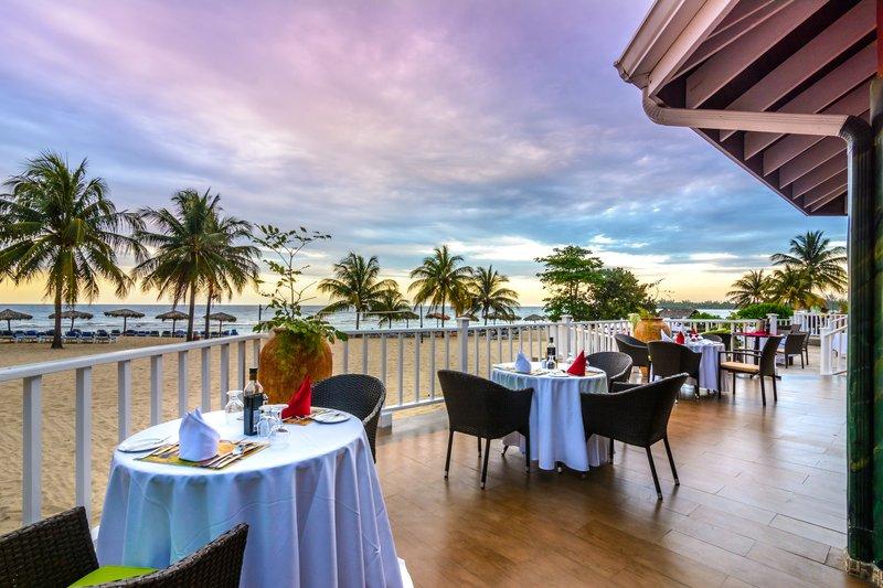 Jewel Runaway Bay Beach And Golf Resort  - Jewel Runaway Bay Beach Golf Resort Moonstone Patio <br/>Image from Leonardo