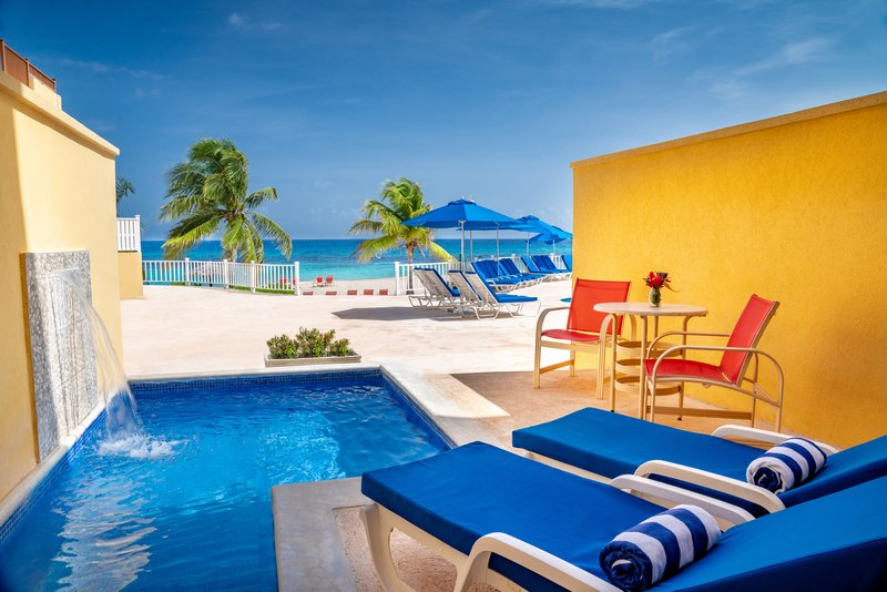 Jewel Runaway Bay Beach And Golf Resort  - Oceanfront Jr Suite Plunge Pool Concierge View <br/>Image from Leonardo