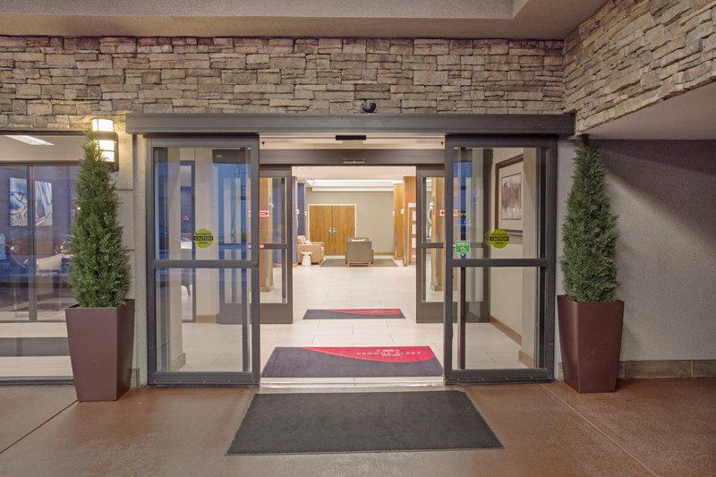 Crowne Plaza Downtown Denver-Front Entrance <br/>Image from Leonardo