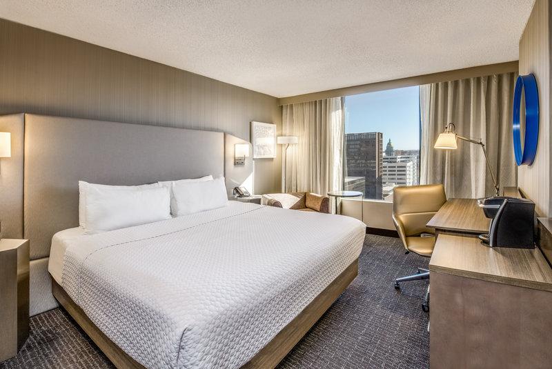 Crowne Plaza Downtown Denver-King Premium View<br/>Image from Leonardo
