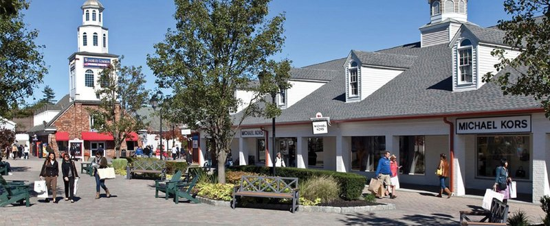 Crowne Plaza Suffern-Mahwah-Woodbury Common Premium Outlets welcome tour groups bus parking<br/>Image from Leonardo