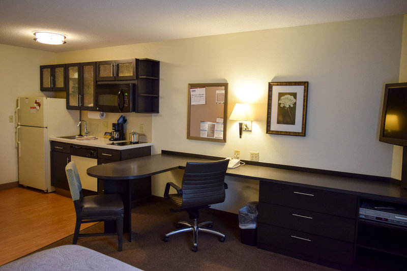 Candlewood Suites Wichita-Airport-Spacious suite to cook and work at the same time!<br/>Image from Leonardo