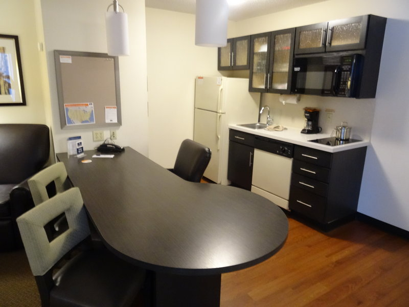 Candlewood Suites Wichita-Airport-One Bedroom Suite - Kitchen<br/>Image from Leonardo