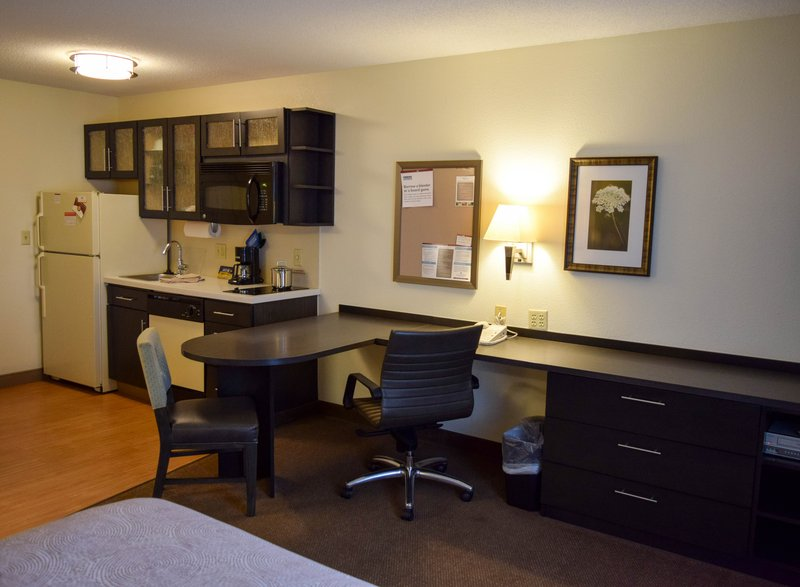 Candlewood Suites Wichita-Airport-Fully equipped kitchen in all of our rooms!<br/>Image from Leonardo