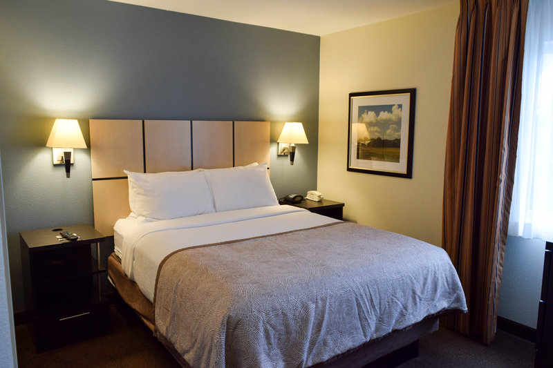 Candlewood Suites Wichita-Airport-Our one bedroom suites even have their own TV!<br/>Image from Leonardo