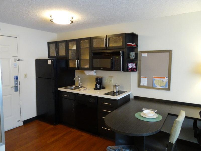 Candlewood Suites Wichita-Airport-Studio Suite - Kitchen<br/>Image from Leonardo