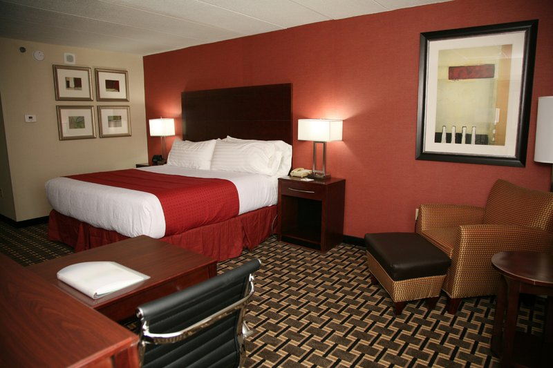 Holiday Inn New London - Mystic Area-King Bed Guest Room<br/>Image from Leonardo