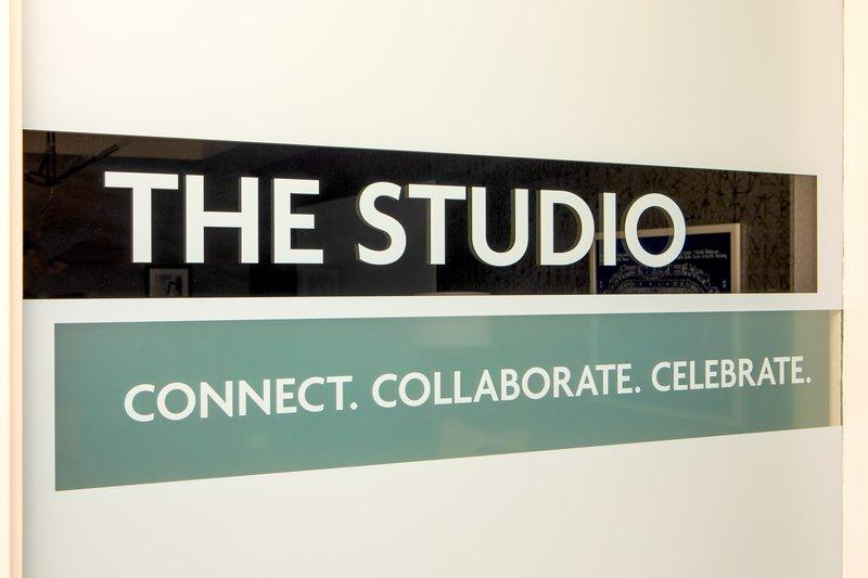 Crowne Plaza Boston - Woburn-Boardroom<br/>Image from Leonardo