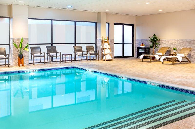 Crowne Plaza Boston - Woburn-Brand New Saltwater Pool!<br/>Image from Leonardo