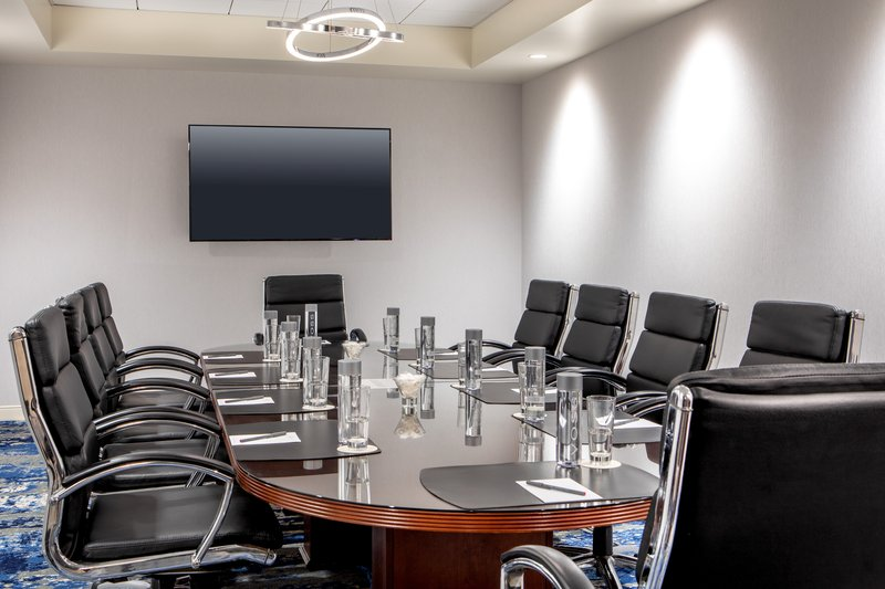 Crowne Plaza Boston - Woburn-Board Room<br/>Image from Leonardo