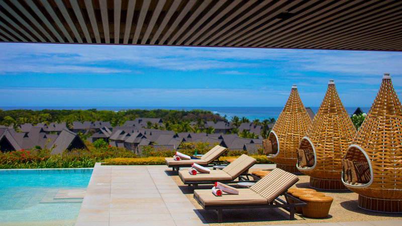 InterContinental Fiji Golf Resort & Spa-Club InterContinental Infinity Pool<br/>Image from Leonardo