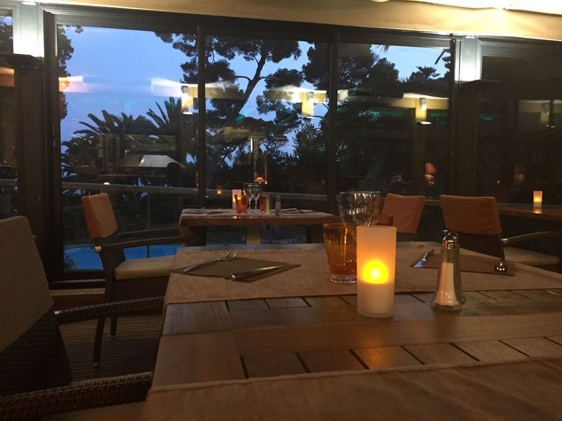 Holiday Inn Cannes-Restaurant Le Garden View<br/>Image from Leonardo
