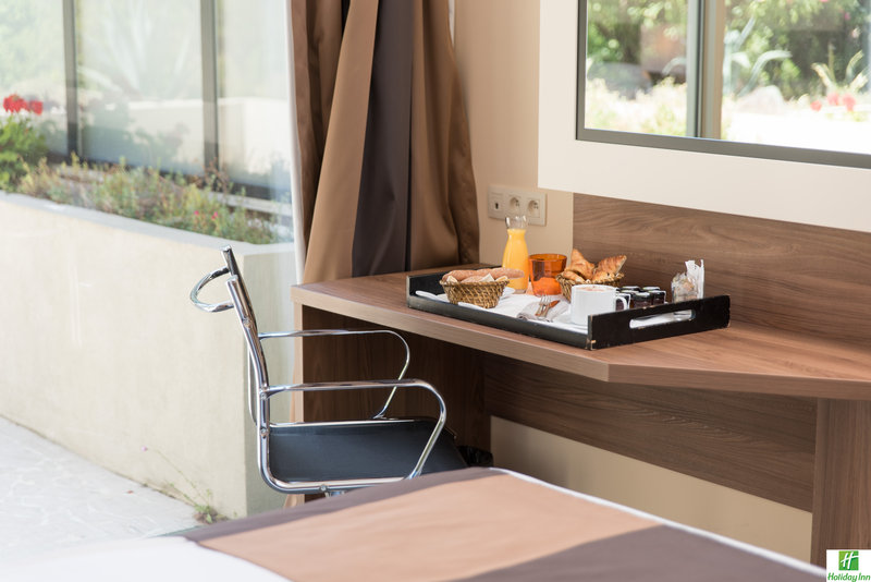 Holiday Inn Cannes-feeling like having breakfast in your room...<br/>Image from Leonardo