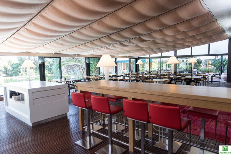 Holiday Inn Cannes-Le Garden View Restaurant<br/>Image from Leonardo