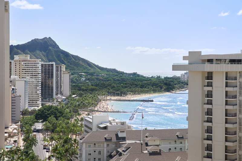 Waikiki Beachcomber By Outrigger - Deluxe Oceanview King <br/>Image from Leonardo