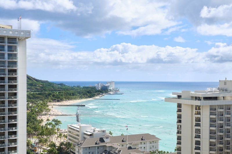 Waikiki Beachcomber By Outrigger - Oceanview King <br/>Image from Leonardo
