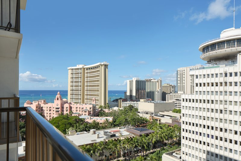 Waikiki Beachcomber By Outrigger - Partial Oceanview King <br/>Image from Leonardo