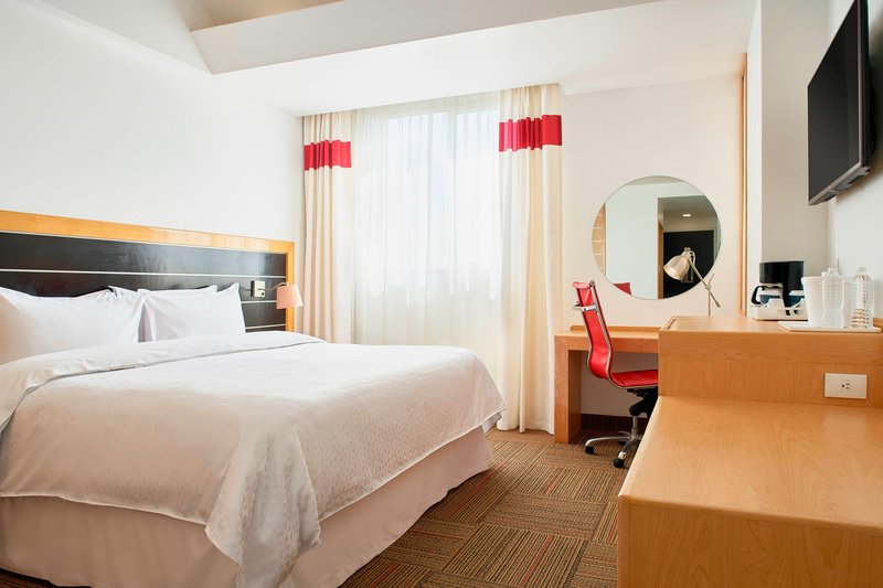 Four Points by Sheraton Mexico City, Colonia Roma-King Standard Guest Room<br/>Image from Leonardo