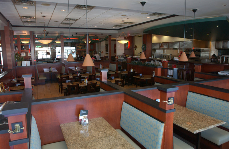 Holiday Inn Hotel & Suites Owatonna-43rd Street Pub & Grill<br/>Image from Leonardo