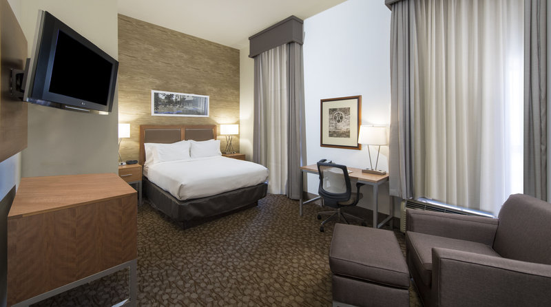 Holiday Inn Savannah Historic District-Enjoy a little extra room so you can relax or get some work done<br/>Image from Leonardo