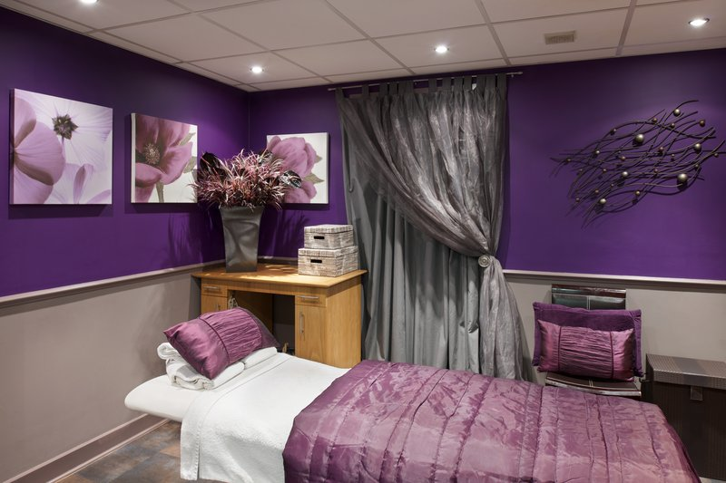 Holiday Inn Sheffield-Massage therapy room with treatments on request<br/>Image from Leonardo