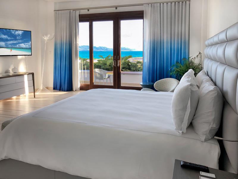 CuisinArt Golf Resort & Spa.-Cuisin Art Three BR Beachfront Villa Master<br/>Image from Leonardo