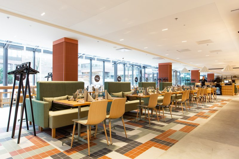 Holiday Inn Helsinki - Exhibition & Convention Centre-Restaurant Platta compliments our Open Lobby<br/>Image from Leonardo