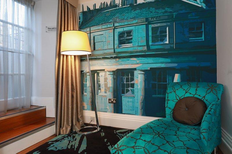 Indigo Edinburgh-Junior Suite<br/>Image from Leonardo