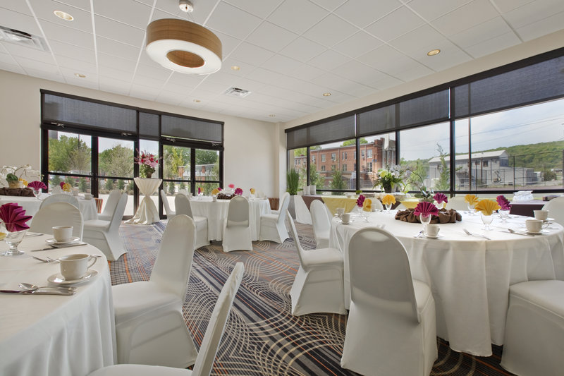 Holiday Inn Hotel & Suites Charleston West-Our Capitol Room offers Style and an Airy Atmosphere for meetings.<br/>Image from Leonardo