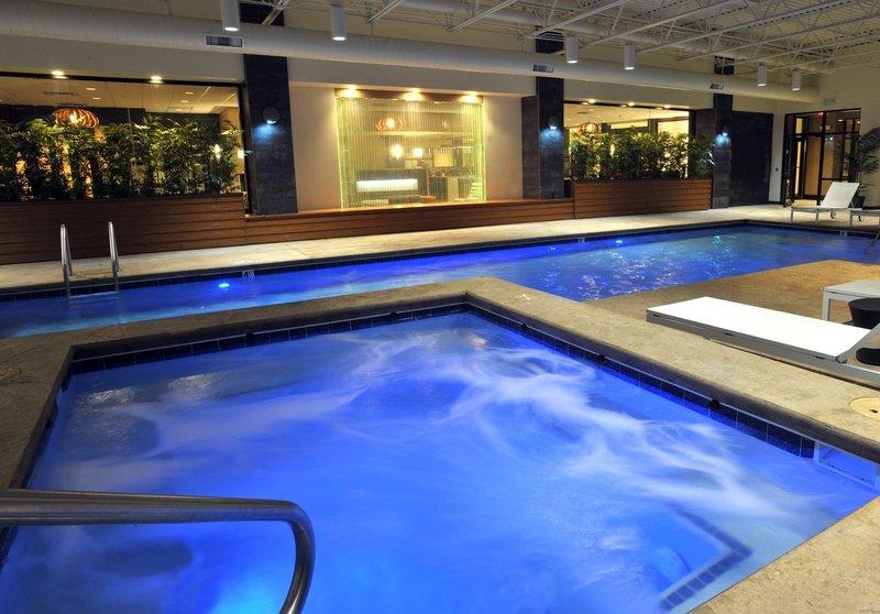 Holiday Inn Hotel & Suites Charleston West-Whirlpool<br/>Image from Leonardo