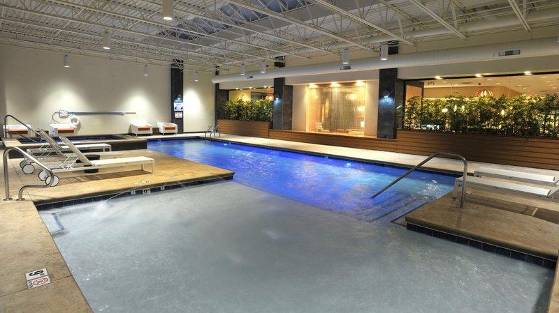 Holiday Inn Hotel & Suites Charleston West-Swimming Pool<br/>Image from Leonardo